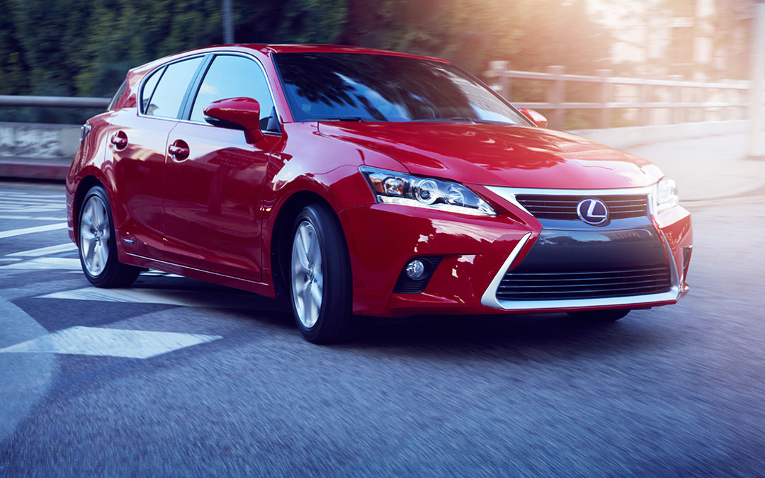 Lexus offers the CT200H at Stevenson and Kuni in Denver
